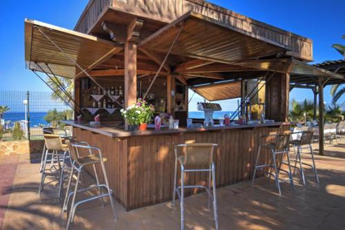 02-mojacar-hotel-marina-playa-vista-piscina-bar