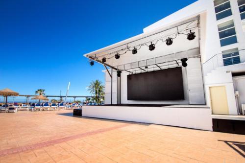 04-mojacar-hotel-marina-playa-escenario-terraza