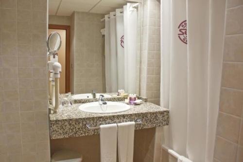 06-mojacar-hotel-marina-playa-bano