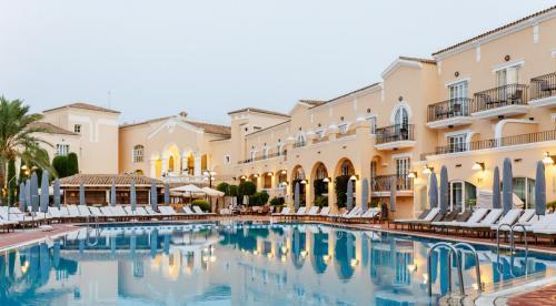 Hotel - pool 2