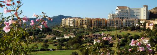 Las Lomas Village - panoramic view
